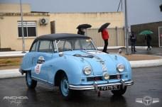 Hay autos realmente curiosos en el Tour Auto. Austin A90 Atlantic de 1951