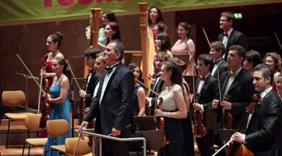 Orchestra Română de Tineret şi un fabulos cvartet de percuţie la Ateneul Român