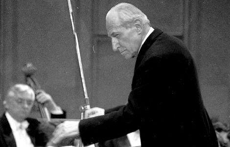 Recital dedicat lui Emanuel Elenescu la Bacău
