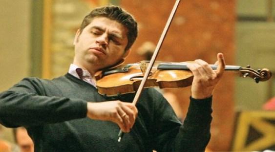 Remus Azoiței, profesor de vioară la Academia Regală din Londra, concertează la Sibiu