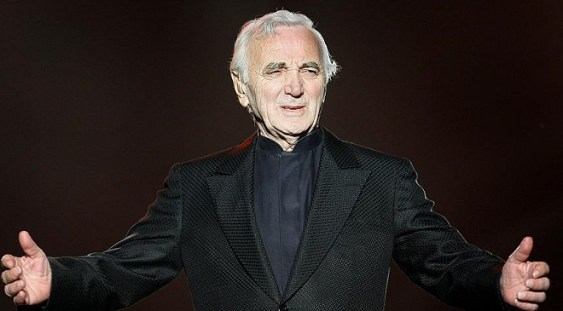 Charles Aznavour a murit la vârsta de 94 de ani