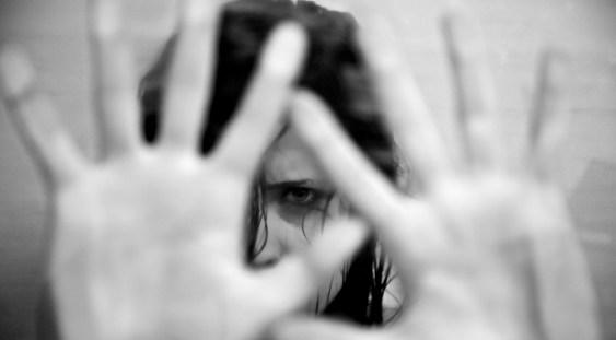 Primăria Capitalei nu mai vrea finanțarea serviciilor de consiliere și adăpost pentru victimele violenței domestice!