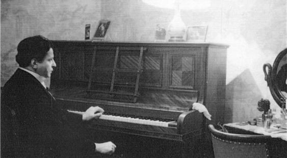 Mari compozitori: George Enescu