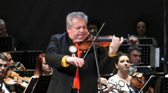 'De la Bach la Dinicu în 3600 de secunde' la Brașov