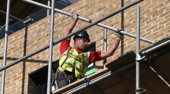 Construcțiile de clădiri rezidențiale au crescut în august cu aproape 25%