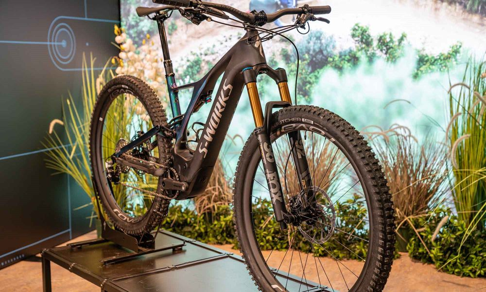 Specialized-turbo-levo-range-guide-sworks-2019_thumb_32C21992