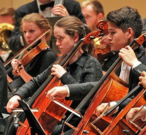 Members-of-the-Boston-Philharmonic-Youth-Orchestra-at-Carnegie-Hall.-Credit-Steven-J.-Eliopoulos-GravityBoston.com-(2)