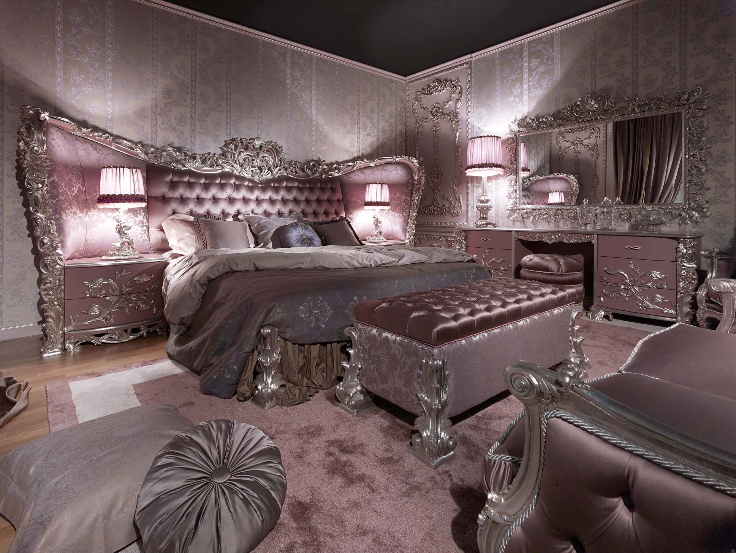 Carving Silver Italian Style BedroomTop and Best Italian
