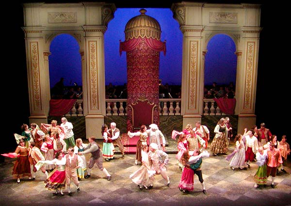"Seattle Gilbert & Sullivan Society's 2003 production of ""The Gondoliers"" (Photo: Seattle Gilbert & Sullivan Society)"