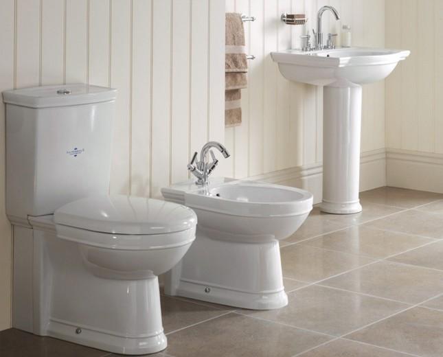 Nostalgie WCBecken mit aufgesetztem Splkasten traditionelles WC nostalgisches WCBecken