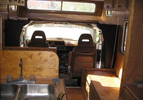 Location DODGE CB300 Camping Car 1980 1980 beige et noir