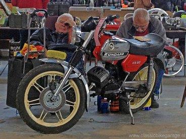 Motorbeurs Barneveld - De Zündapp-verkoop is wat slapjes