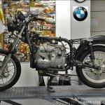 Demontage BMW R80/7 RT vordert