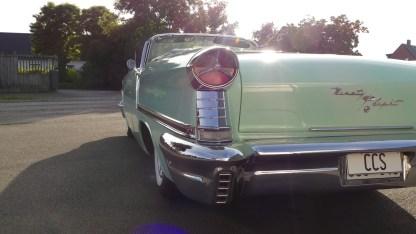 OLDSMOBILE 1957 98 Cab (15)