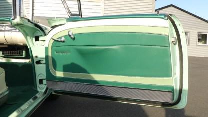 OLDSMOBILE 1957 98 Cab (29)