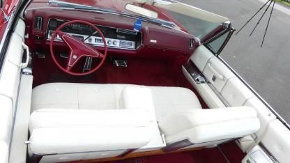 Cadillac Deville 1967 Convertible (26)