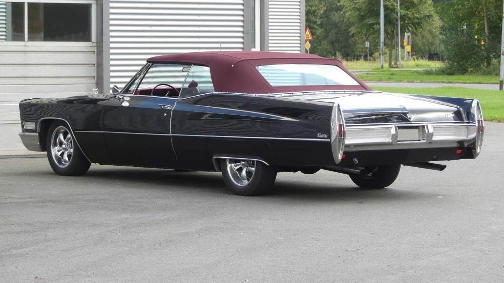 Cadillac De Ville 1967 Convertible (12)