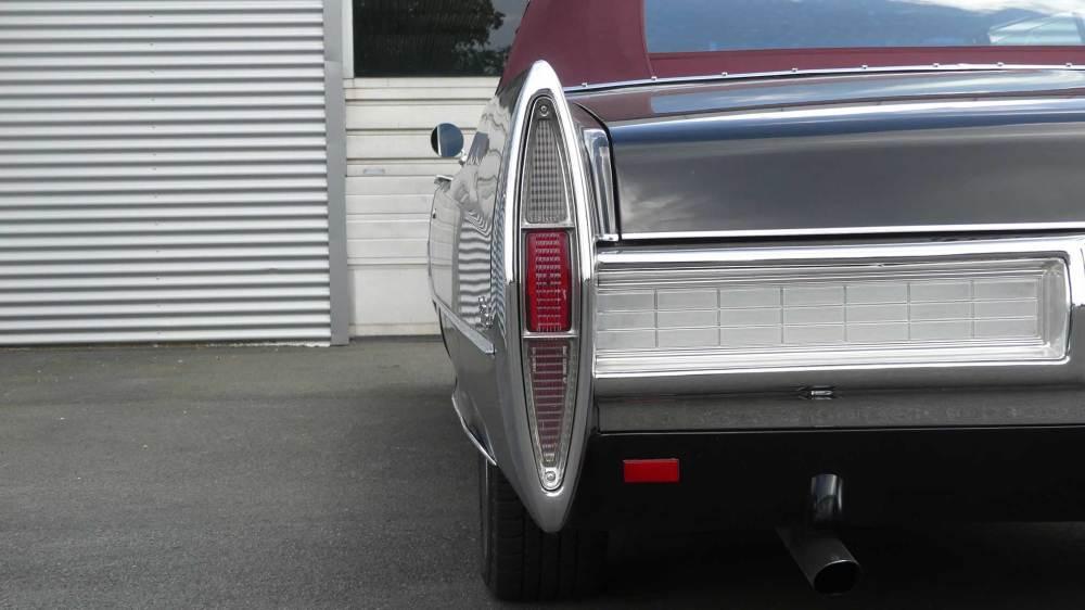 Cadillac De Ville 1967 Convertible (13)