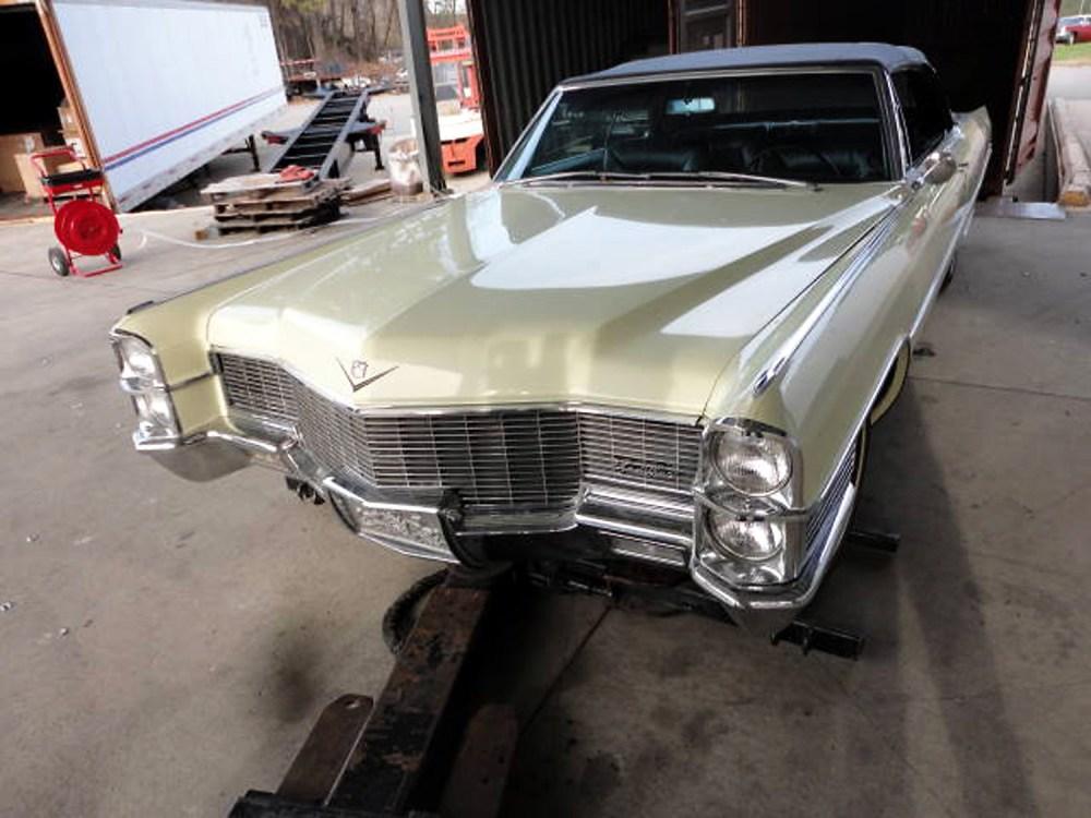Cadillac DeVille 1965 Convertible_1