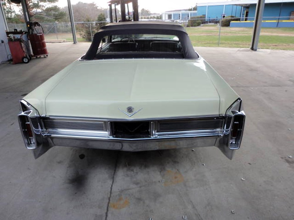 Cadillac DeVille 1965 Convertible_4