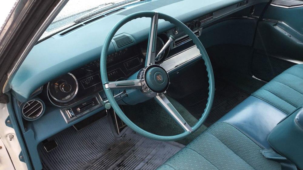 Cadillac 4 dr ht 1966 (5)