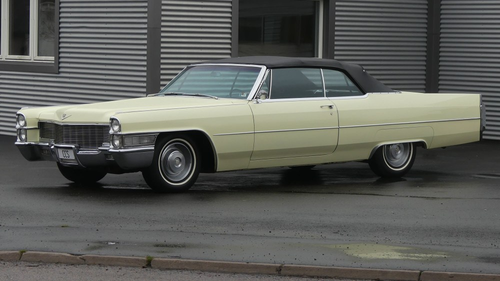 Cadillac Deville 1965 Convertible (2)