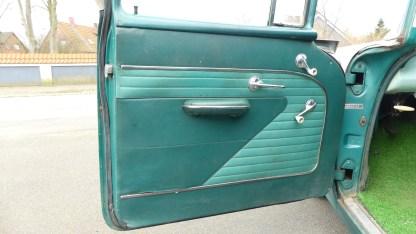 Pontiac Cheiftain 1956 4D (20)