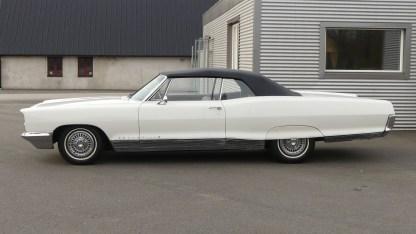 Pontiac Bonneville Cab 1966 (5)