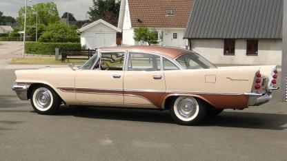 1957 DeSoto Firedome 4DR (11)