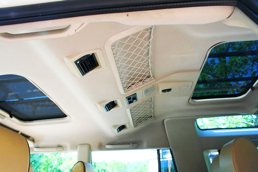 a look back at the land rover discovery a modern classic suv land rover discovery sunroofs
