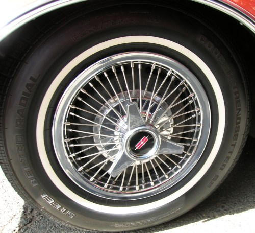 small resolution of 1966 oldsmobile 14 inch wire wheel cover b