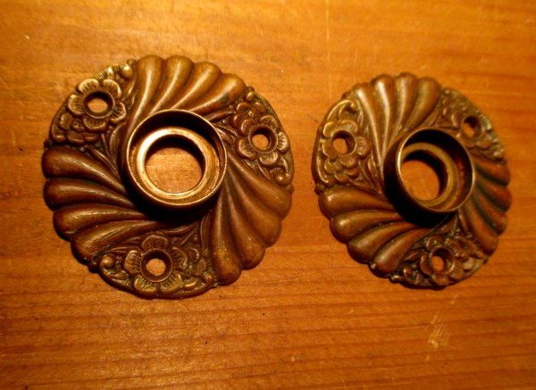 Bronze Door Knob Rosettes Roanoke Corbin-554 - Classic Home Hardware