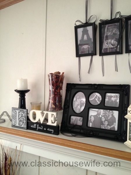 Simple New Year Mantel