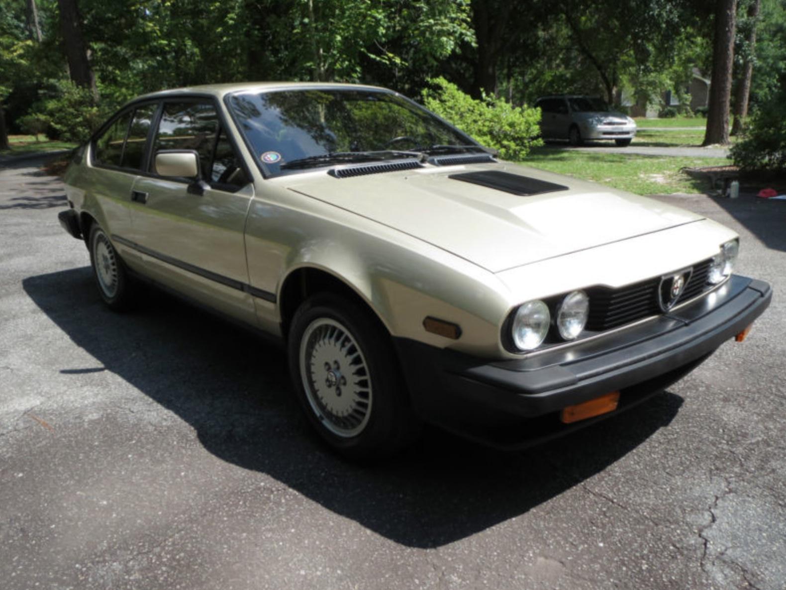 1986 alfa romeo gtv6 revisit classic italian cars for sale. Black Bedroom Furniture Sets. Home Design Ideas