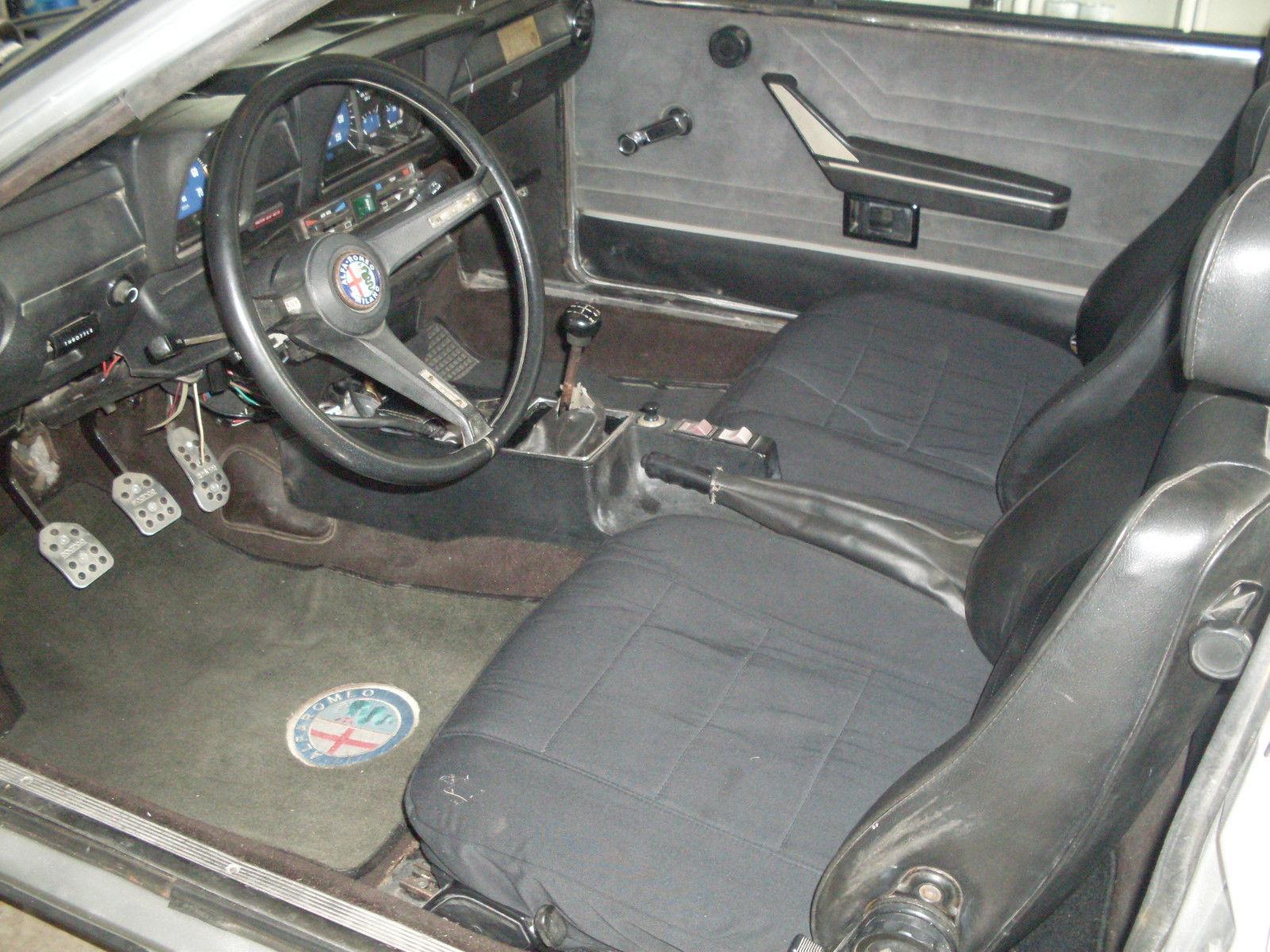 -Graham. Alfa RomeoAlfettaGiugiaro ...