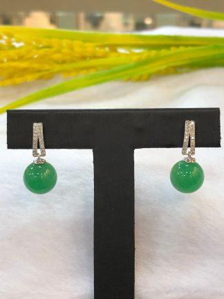jade round beads earrings
