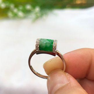 green jade Ruyi ring