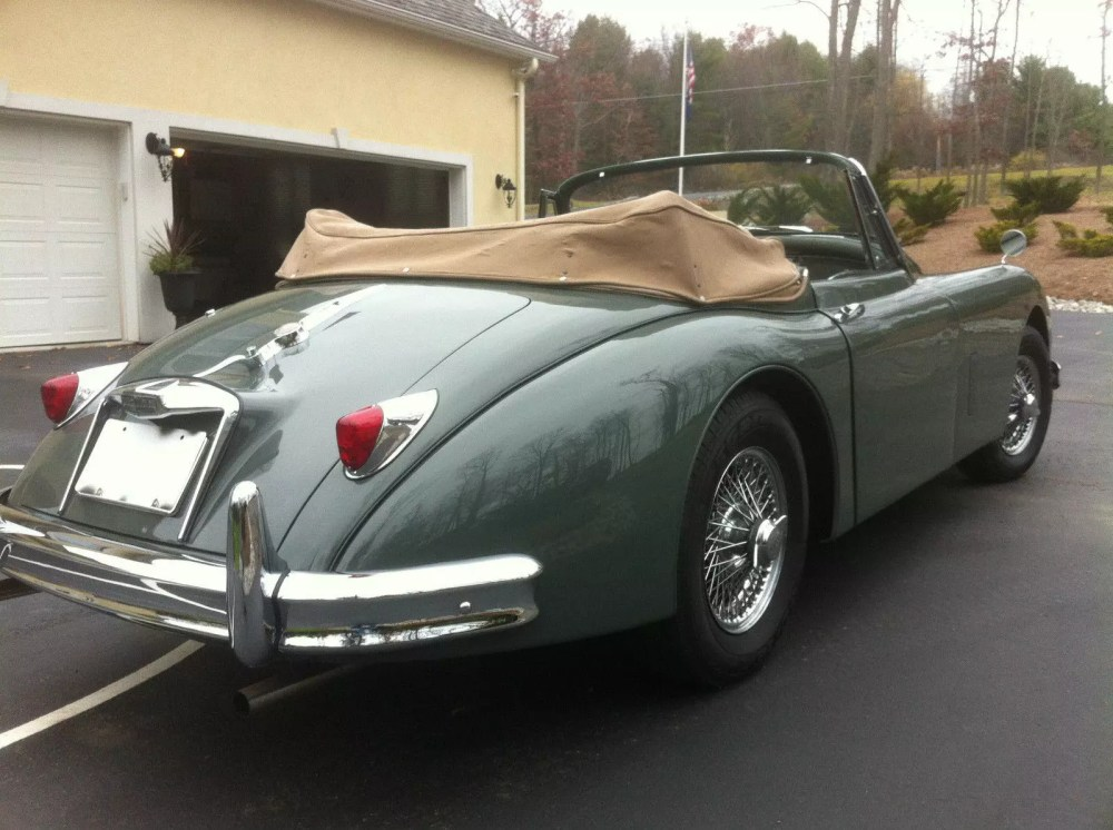medium resolution of the 1958 xk150 came with two engines the dohc jaguar straight 6 rated at 180 sae bhp at 5750 rpm was the early production engine later most were running