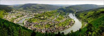 La boucle de la Meuse à Monthermé ( Ardennes )