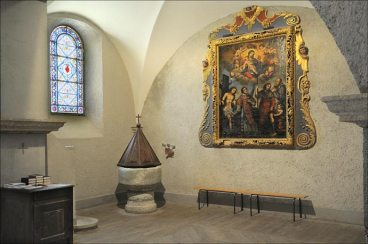 Eglise de Tignes 1800, les meubles et décorations viennent de l'église engloutie