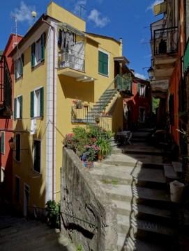 Monte Rosso al Mare, Cinque Terre