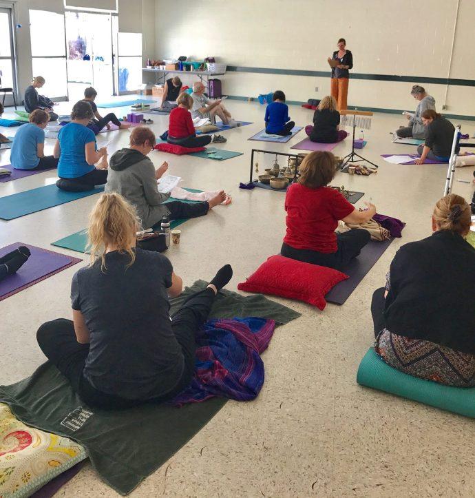 Teaching Healing Doodling Mandalas | Claudia Dose