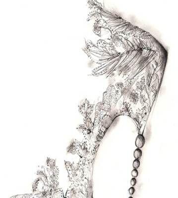 Desenho em preto e branco de sapato de baile forrado com renda e cristais delicadamente bordados com salto fino e muito alto com pedras esféricas incrustradas