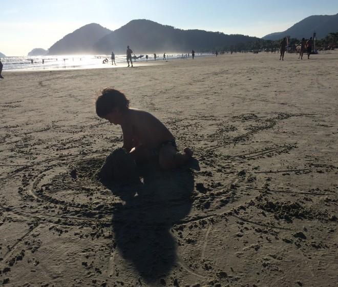 menino+praia_claudiamatarazzo