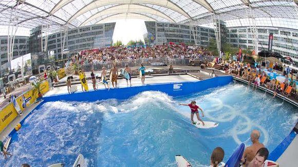 635702232998680031-Surfing-event