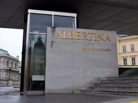 Albertina Eingang