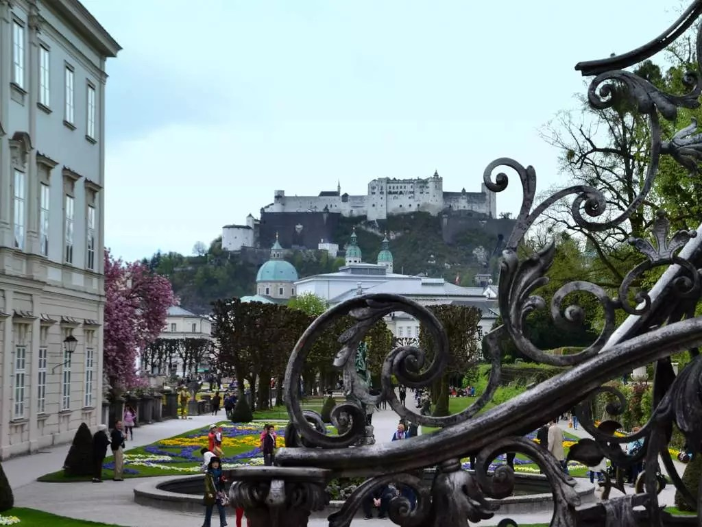 Heimatstadt Salzburg; Mirabellgarten