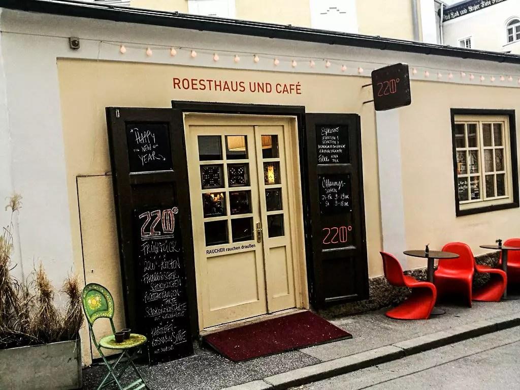 eingangstüre Cafe 220 Grad