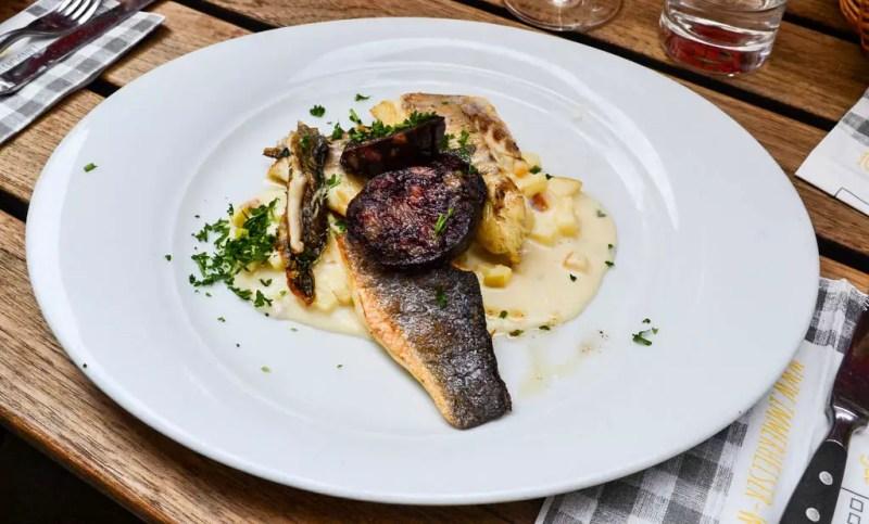 Fisch mit Bluwurst