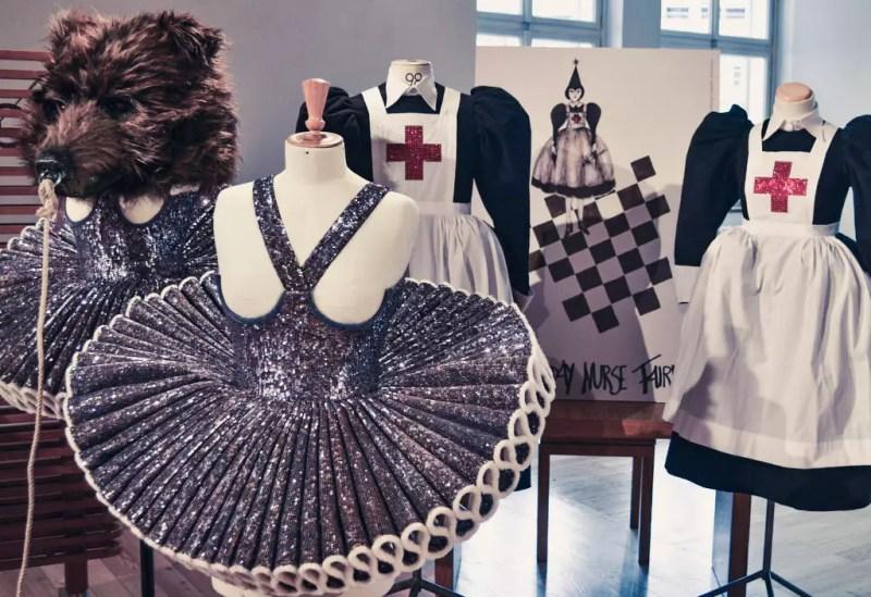 Kostüme Zauberflöte 2018 mit Swarovskisteinen